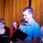 Koncert konferálás – a fellazulás jegyében